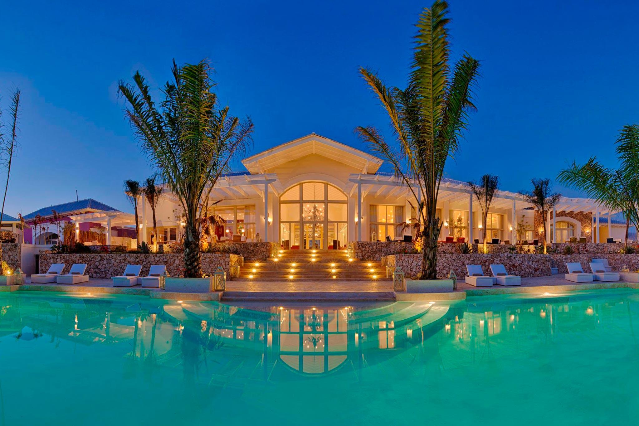 4-edenroc-exterior-piscina-coralina-abastel