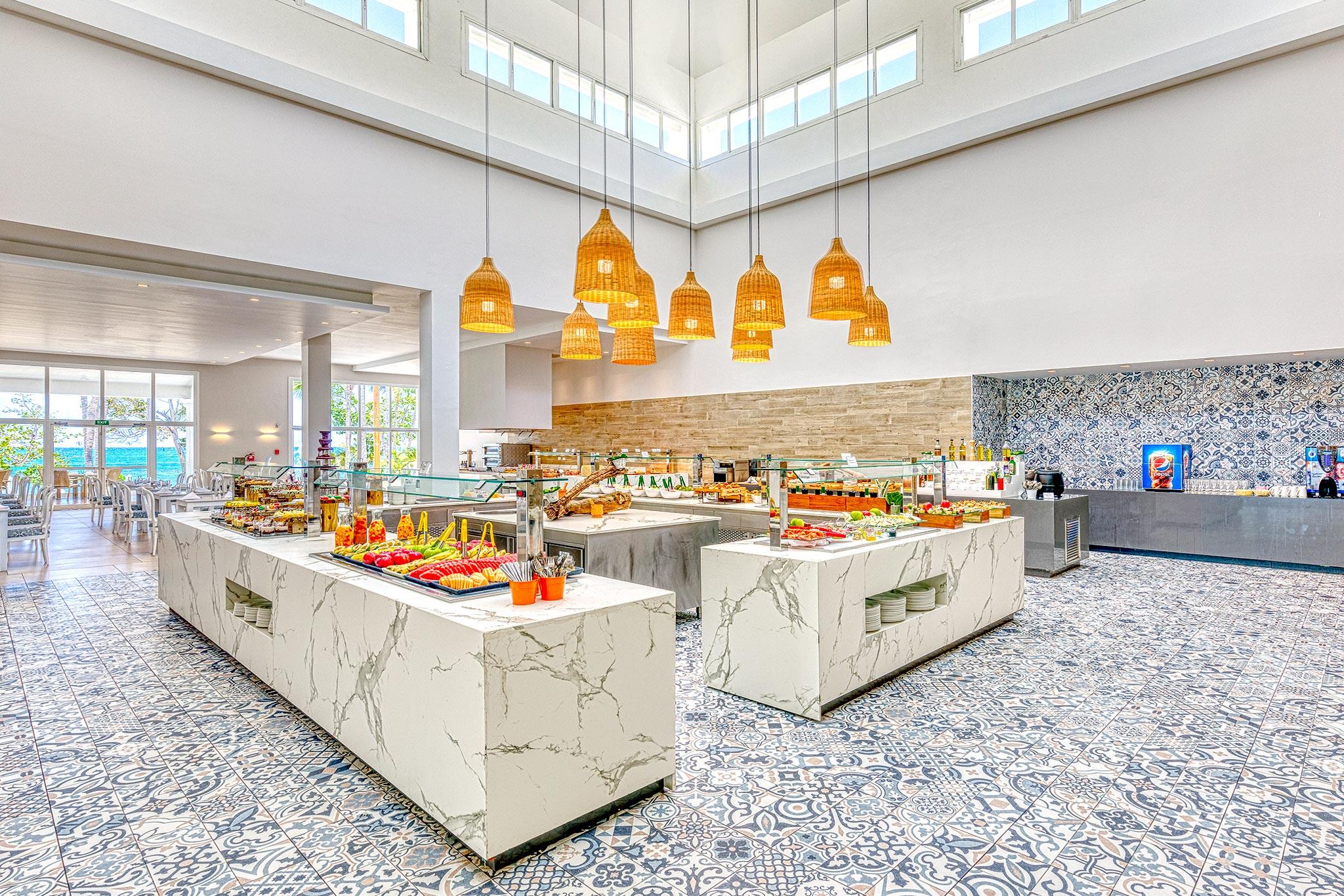 3-hotelsenator-dekton-buffet-abastel