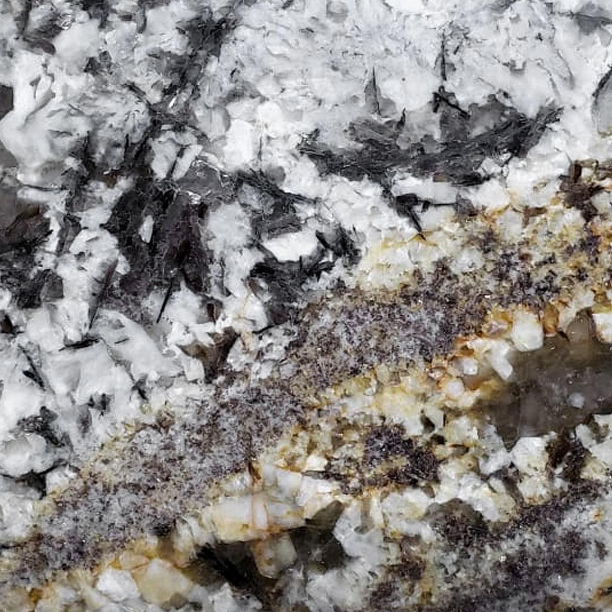 granite-lennon-gold-abastel